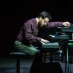"""Fabrizio Allegrini pianista e tastierista degli Indiana Supermarket in concerto all'Auditorium """"Parco della Musica"""" di Roma."""